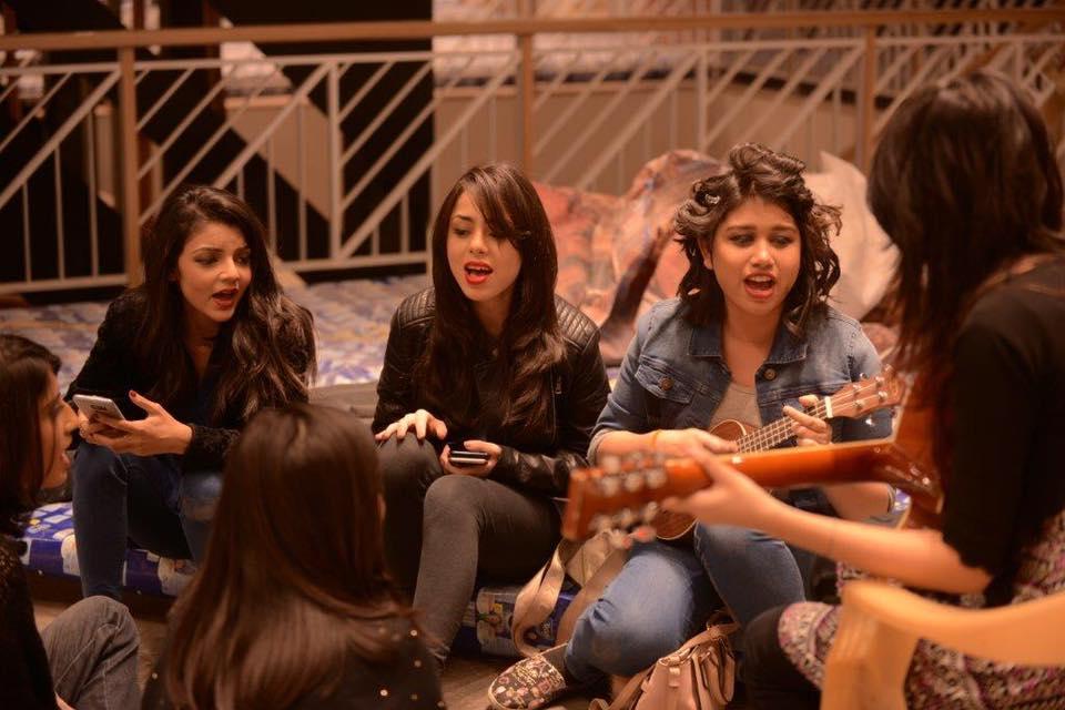 khaadis-18th-anniversary-song-choo-liya-aasman-all-girl-band-45