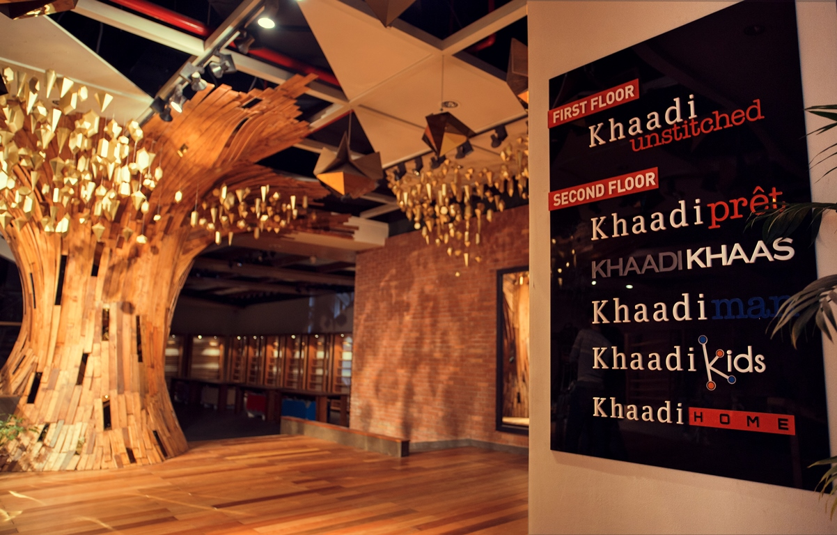 khaadi-opens-doors-to-their-largest-store-at-emporium-mall-lahore-4