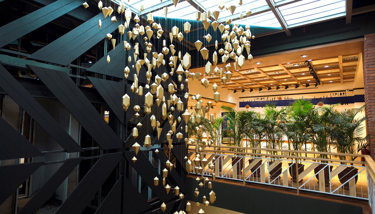 khaadi-opens-doors-to-their-largest-store-at-emporium-mall-lahore-7